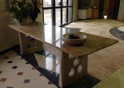 Dessus de table en Granit et Rocheron